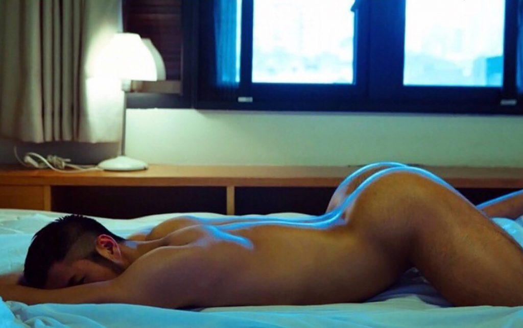 Nude men Bottoms